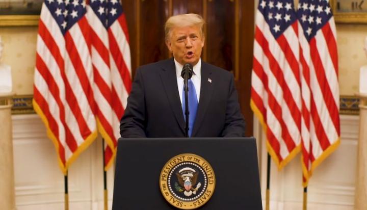 رئیس جمهور دونالد ترامپ با آمریکایی ها خداحافظی کرد - 1
