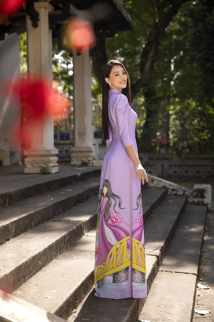 Hoa hậu Tiểu Vy đẹp tinh khôi với áo dài truyền thống  - 3