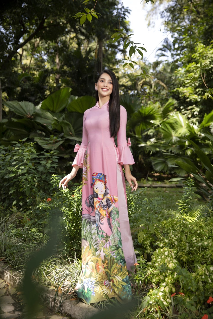 Hoa hậu Tiểu Vy đẹp tinh khôi với áo dài truyền thống  - 6