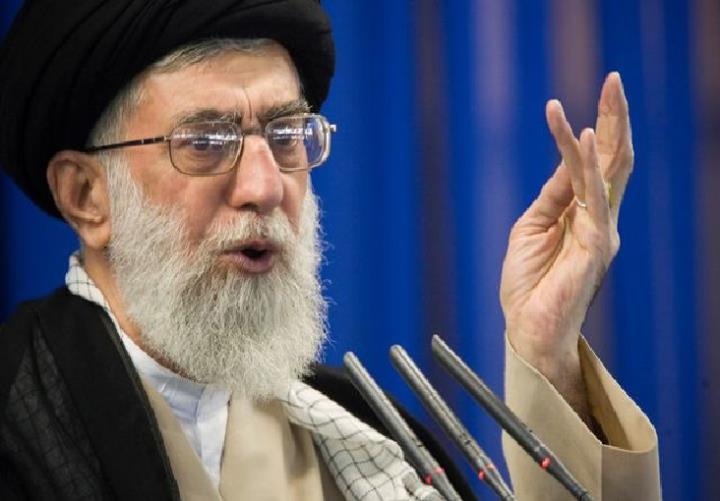 رهبر ایران عکسی از تهدید انتقام ترامپ را در توییتر منتشر کرد - 1