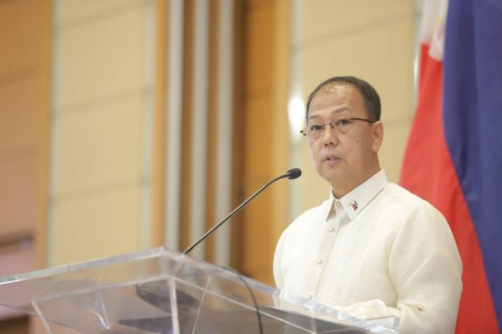 فیلیپین درباره واکسن COVID-19-1 در مورد دریای چین جنوبی با چین سازش نمی کند