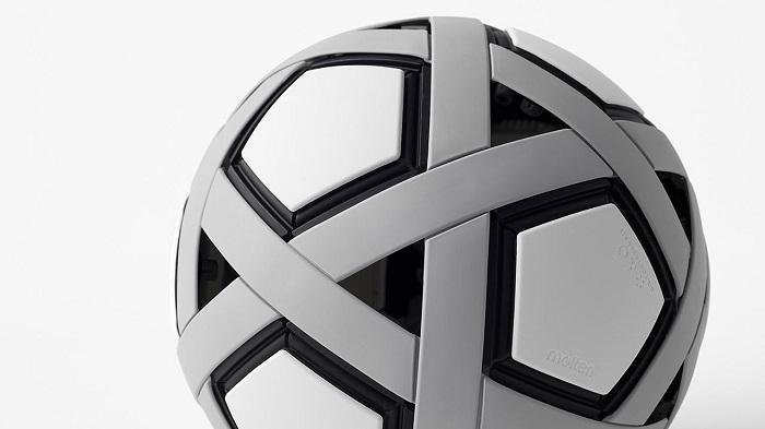 Nhật Bản chế tạo quả bóng đá không cần bơm, không bao giờ xì hơi - 1