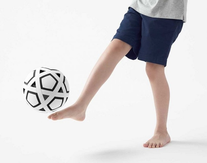 Nhật Bản chế tạo quả bóng đá không cần bơm, không bao giờ xì hơi - 4