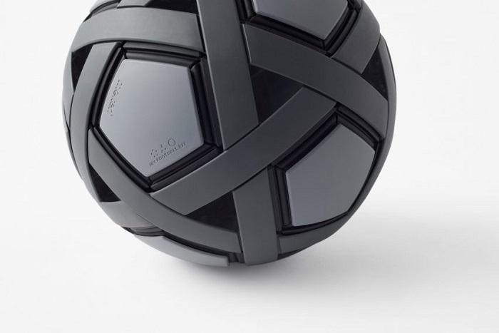 Nhật Bản chế tạo quả bóng đá không cần bơm, không bao giờ xì hơi - 6