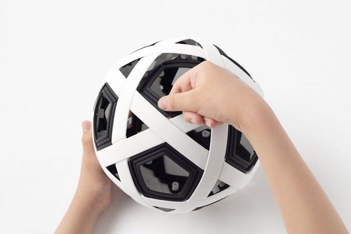 Nhật Bản chế tạo quả bóng đá không cần bơm, không bao giờ xì hơi - 7
