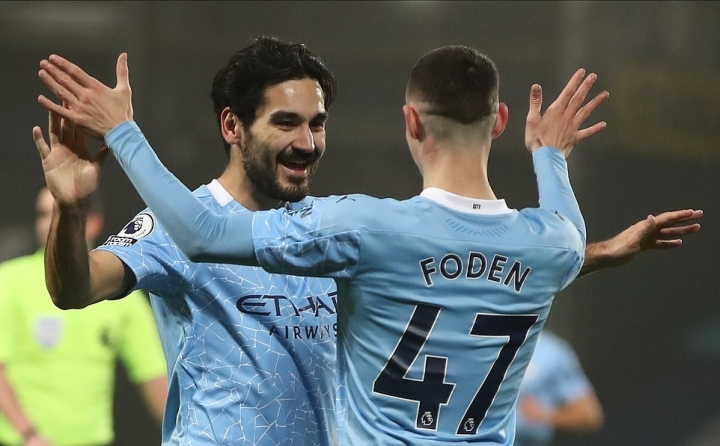 Đua vô địch Ngoại hạng Anh: Man Utd đuối sức trước Man City - 2