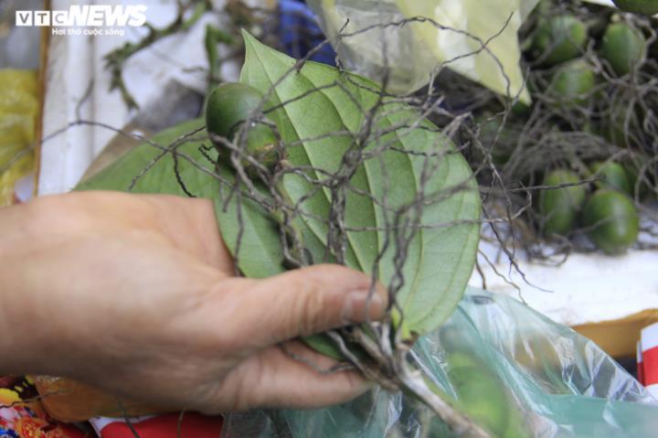 Người Hà Nội tất bật mua sắm đồ lễ cúng rằm cuối cùng của năm Canh Tý - 7