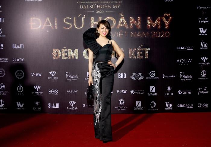 Hoa hậu Hương Giang 'đốt mắt' fan bằng thiết kế của Tuyết Lê - 3