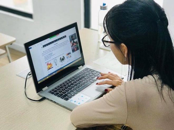 Các trường đóng cửa ký túc xá, tái khởi động học trực tuyến  - 1