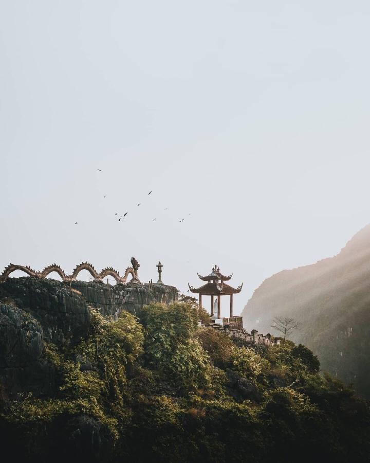 Ba điểm đến ở Ninh Bình đẹp như tiên cảnh thu hút giới trẻ dịp Tết Âm lịch 2021 - 1