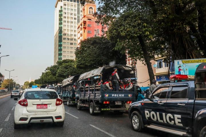 عکس: اولین روز پس از کودتا در میانمار - 8