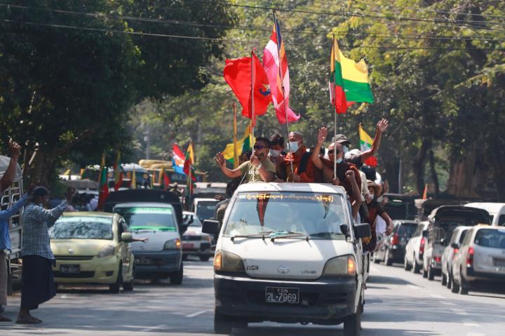 عکس: اولین روز پس از کودتا در میانمار - 10