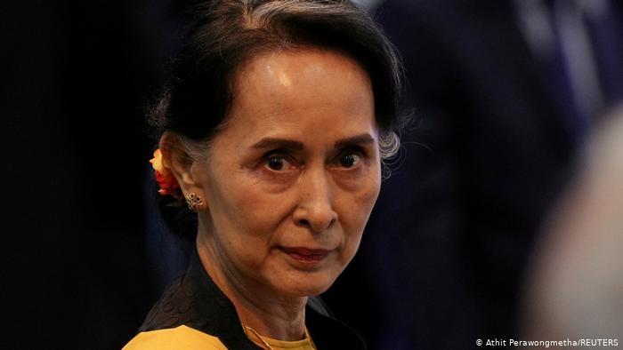 میانمار سیاسی: الانگ سان سوچی چگونه است؟  - اولین