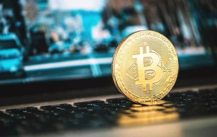 Giá Bitcoin hôm nay 27/4: Bất ngờ tăng dựng đứng - 1