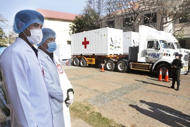 نخست وزیر هونگ سن واکسن چینی COVID-19-1 را تزریق کرد