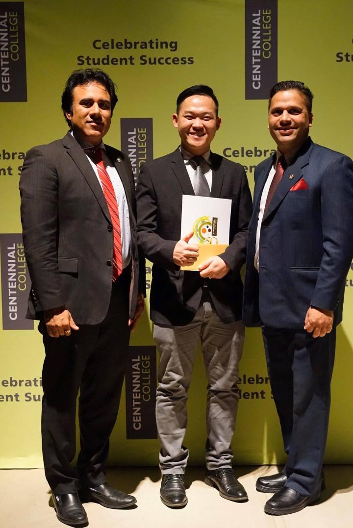 Việt kiều Canada Lê Hùng Phi tiết lộ bí quyết học tiếng Anh ở tuổi 32 - 3