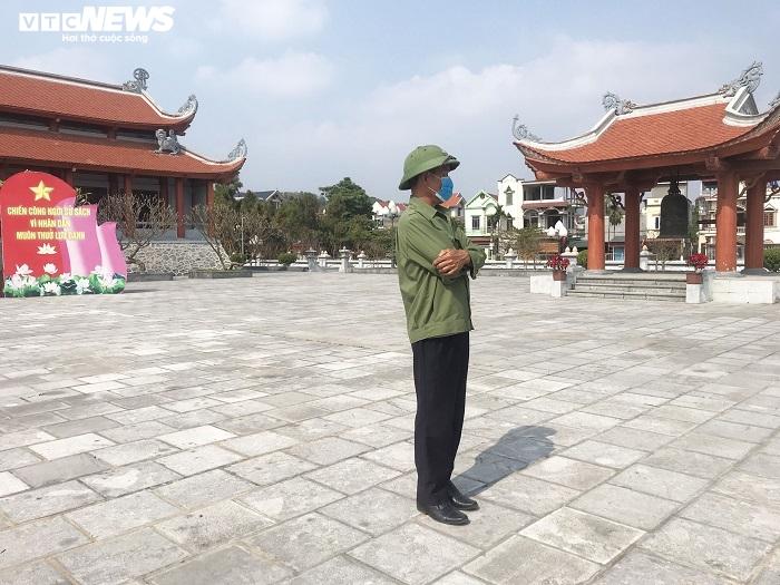 Ảnh: Chiều mùng 1 Tết vắng lặng tại tâm dịch Chí Linh - 8