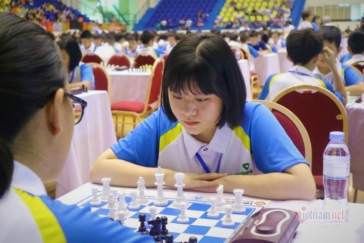 Nữ sinh lớp 10 ở Thái Nguyên vô địch cờ vua thế giới - 3