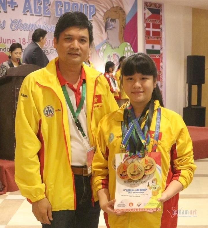 Nữ sinh lớp 10 ở Thái Nguyên vô địch cờ vua thế giới - 2