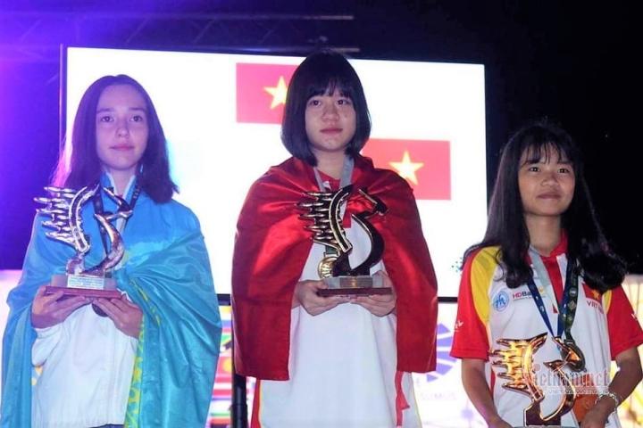 Nữ sinh lớp 10 ở Thái Nguyên vô địch cờ vua thế giới - 1