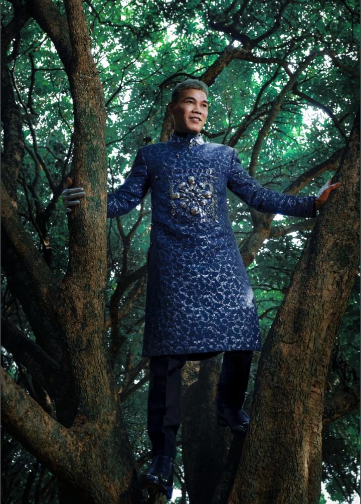 Ngắm bộ sưu tập áo dài veston tinh tế của NTK Tiến Lợi  - 7