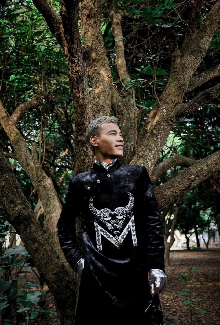 Ngắm bộ sưu tập áo dài veston tinh tế của NTK Tiến Lợi  - 6