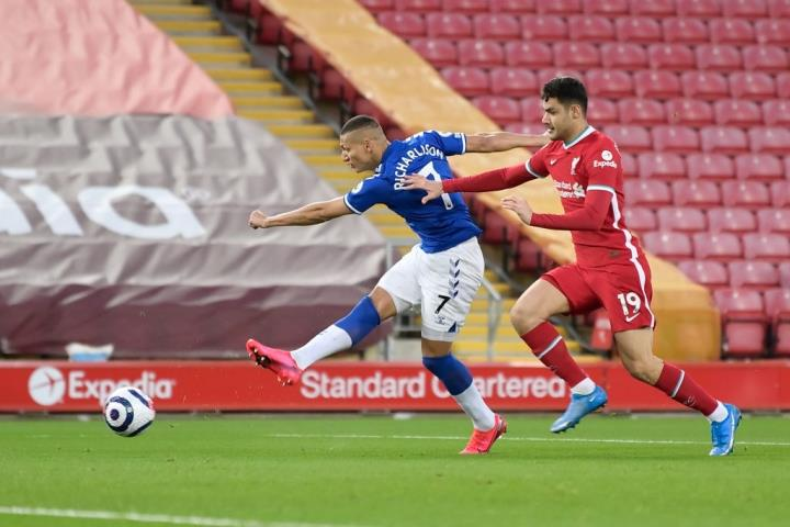 Kết quả Ngoại Hạng Anh: Thua Everton, Liverpool dễ mất suất dự Champions League - 1