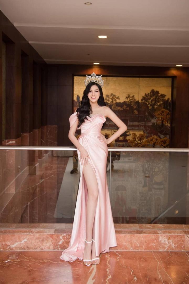 Bị chê chảnh khi từ chối ôm eo trên thảm đỏ, Hoa hậu Đỗ Thị Hà nói gì? - 5