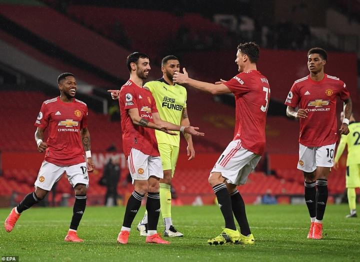 Đua vô địch Ngoại hạng Anh: Man Utd có cản nổi Man City? - 3