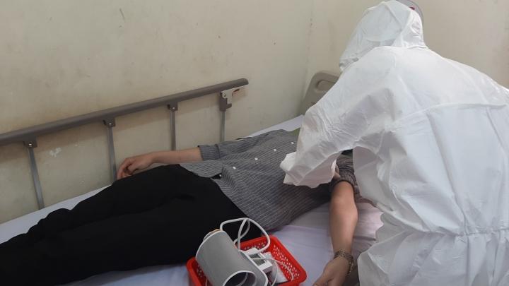 28 bệnh nhân của ổ dịch sân bay Tân Sơn Nhất khỏi COVID-19 - 1
