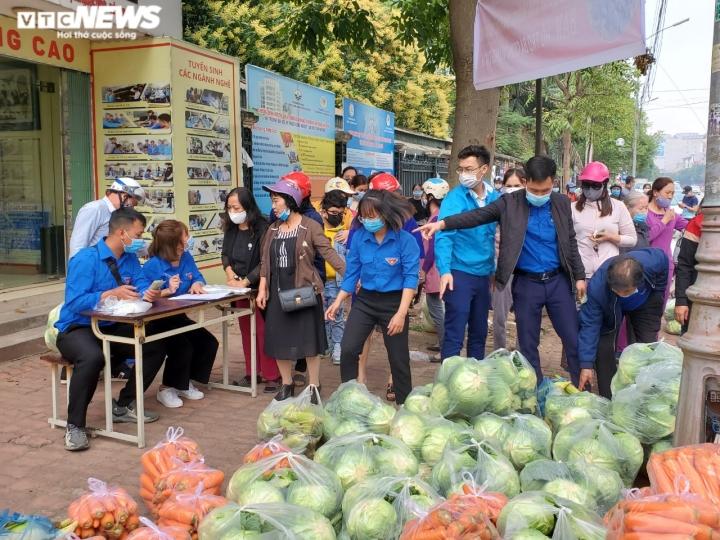 Người Bắc Ninh 'giải cứu' 5,5 tấn nông sản Hải Dương chỉ trong 1 giờ - 9