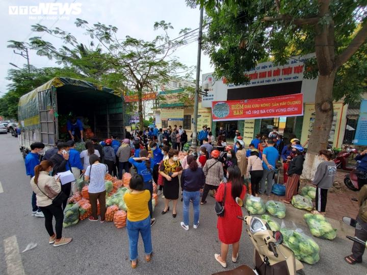 Người Bắc Ninh 'giải cứu' 5,5 tấn nông sản Hải Dương chỉ trong 1 giờ - 2