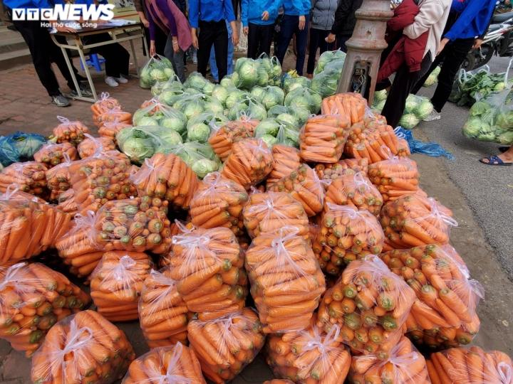 Người Bắc Ninh 'giải cứu' 5,5 tấn nông sản Hải Dương chỉ trong 1 giờ - 10