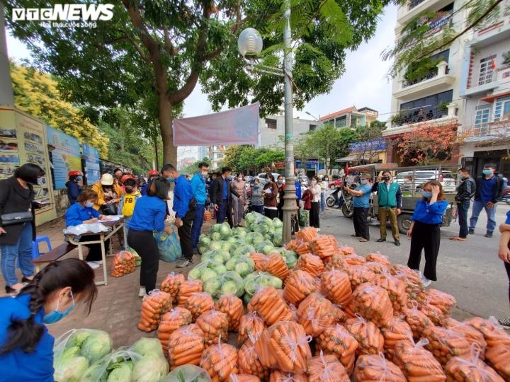 Người Bắc Ninh 'giải cứu' 5,5 tấn nông sản Hải Dương chỉ trong 1 giờ - 5