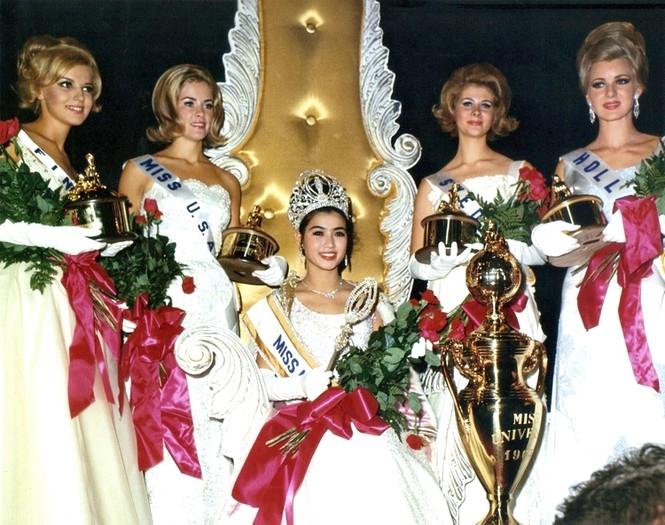 Tuổi U80, Hoa hậu Hoàn vũ Thái Lan vẫn trẻ đẹp không tin nổi - 2