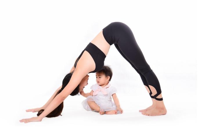 Tiết lộ bí quyết giữ vóc dáng gợi cảm của  HLV yoga Trần Lan Anh - 1