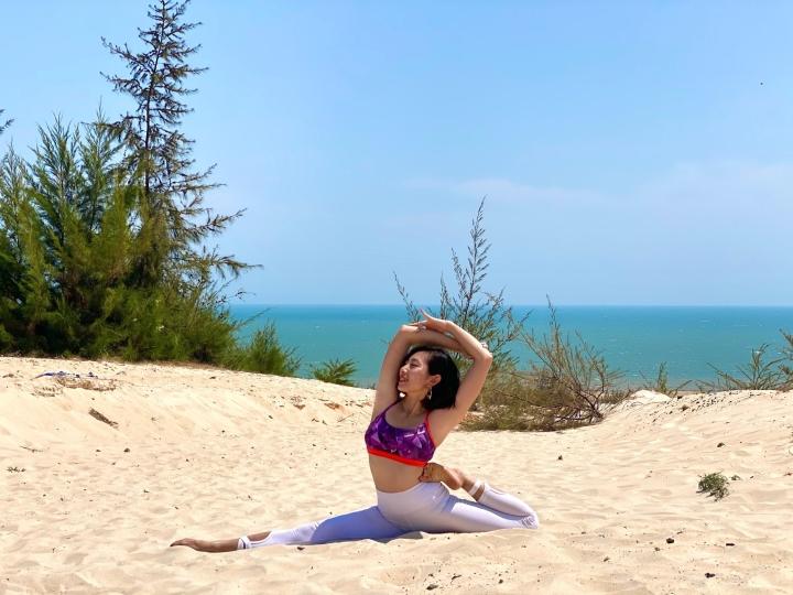 Tiết lộ bí quyết giữ vóc dáng gợi cảm của  HLV yoga Trần Lan Anh - 3