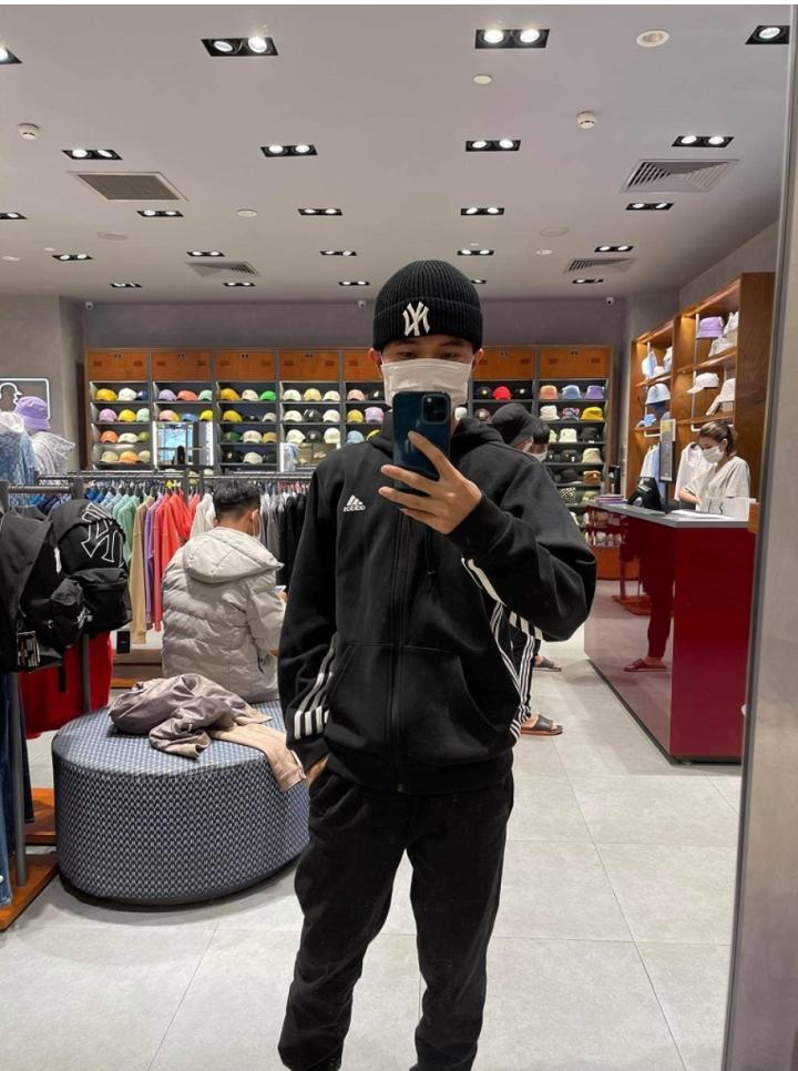 Khởi nghiệp từ 500.000 đồng, chàng trai sở hữu cửa hàng thời trang chỉ sau 2 năm - 3