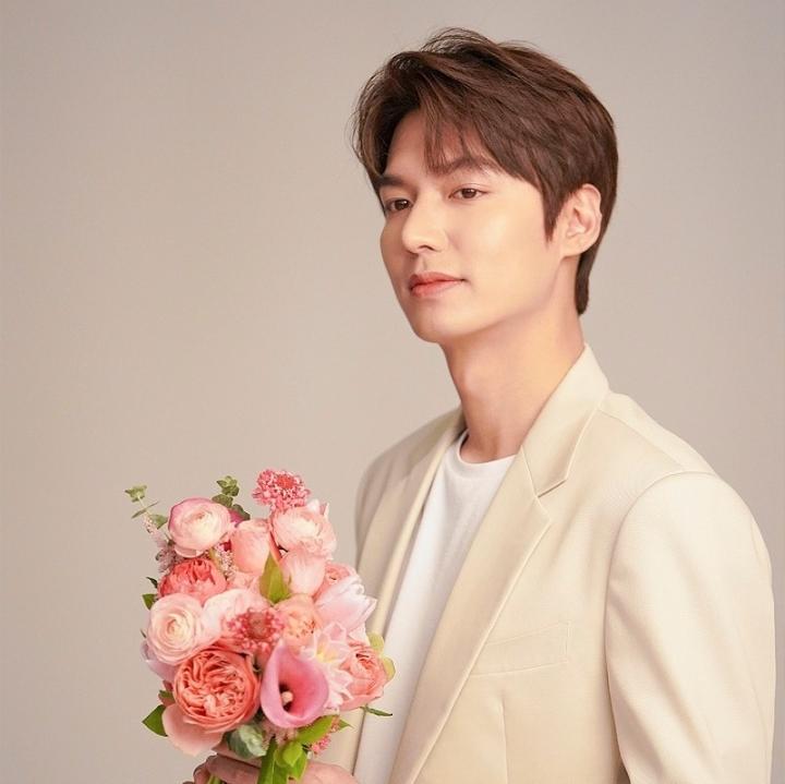 Bí mật cát-xê sao Hàn: Song Hye Kyo 'trên cơ' cả nam thần Lee Min Ho - 1