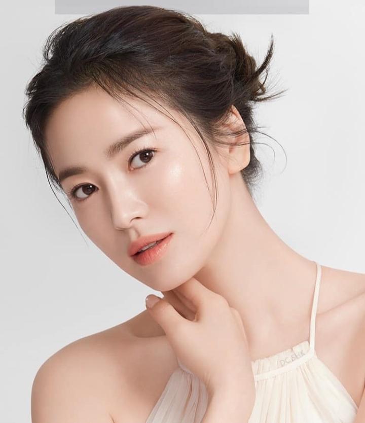Bí mật cát-xê sao Hàn: Song Hye Kyo 'trên cơ' cả nam thần Lee Min Ho - 3