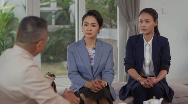 'Hướng dương ngược nắng' tập 48: Minh giành được thiện cảm của bà Bạch Cúc - 2