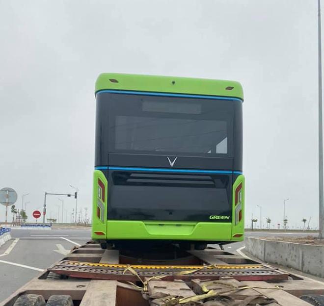 Xuất hiện trên đường phố, xe buýt điện VinFast sắp hoạt động ở Hà Nội? - 2