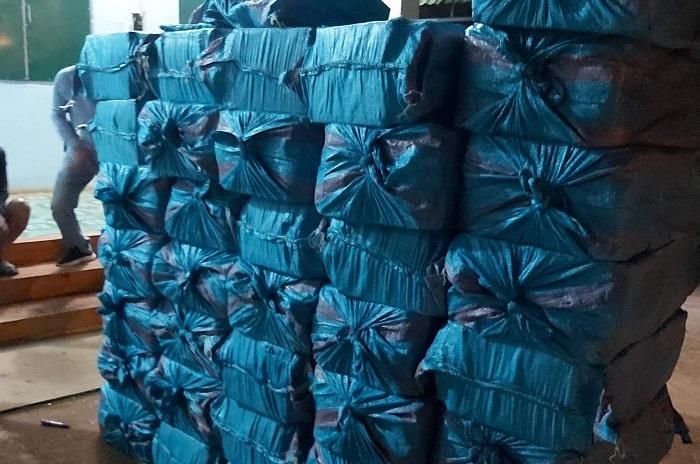 Phát hiện vụ buôn bán, vận chuyển hơn 18.000 bao thuốc lá lậu ở Đắk Lắk - 2