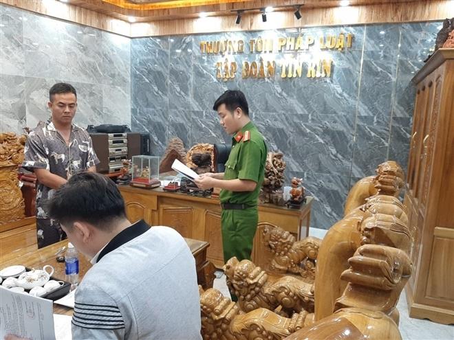 Giám đốc lừa đảo, chiếm đoạt 24 tỷ đồng ở Quảng Nam: Bắt giam công chứng viên - 2