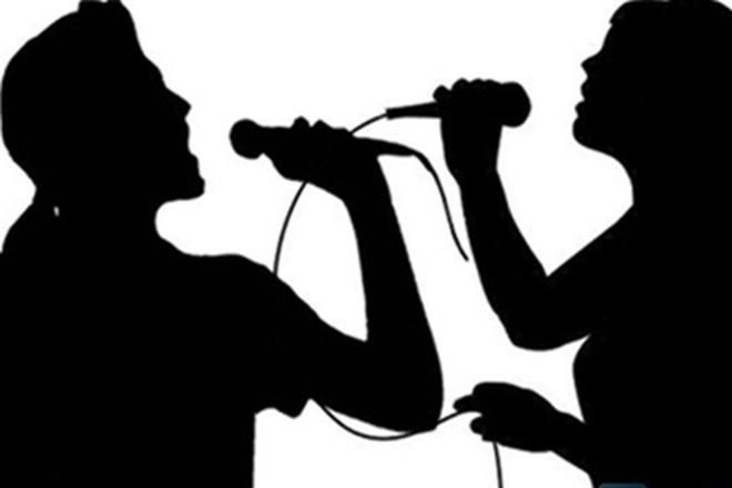 Gợi ý nữ sinh mời đi karaoke, HLV trung tâm thể dục bị đuổi việc