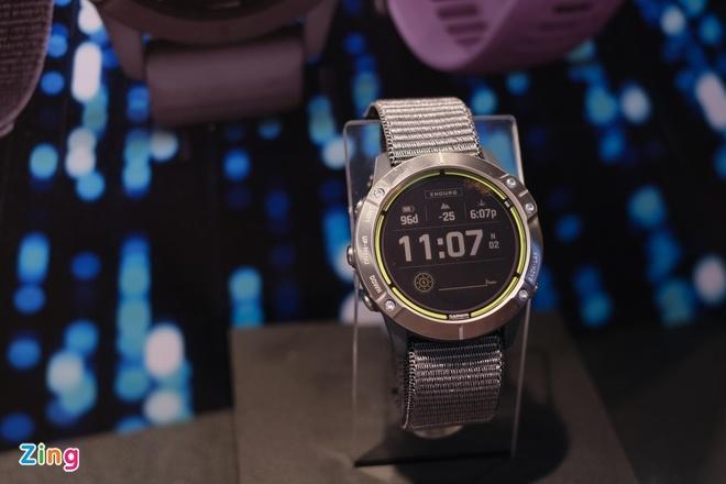 Đồng hồ pin 65 ngày, giá 20 triệu đồng tại Việt Nam