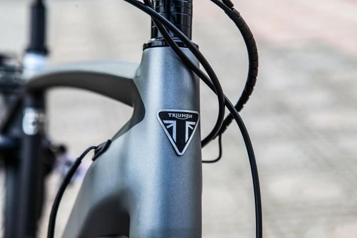 Chi tiết xe đạp Triumph Trekker GT giá hơn 100 triệu đồng tại Việt Nam - 3