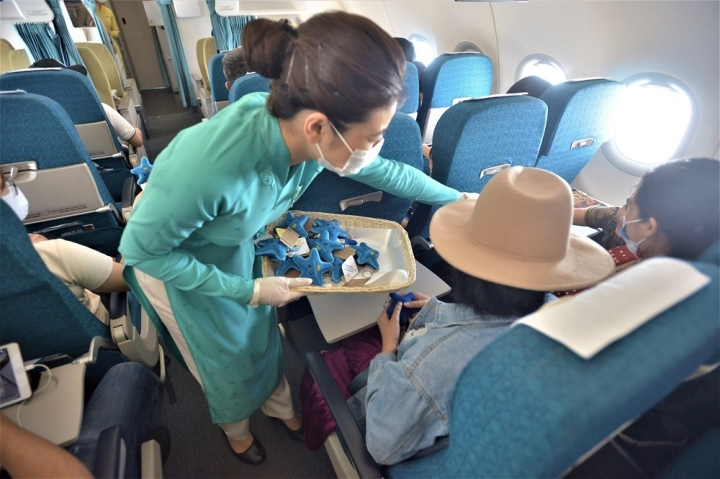 Lan tỏa thông điệp bảo vệ sao biển trên các chuyến bay đến Phú Quốc - 2