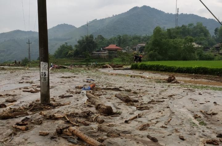 Ảnh: Cảnh tan hoang nơi lũ ống quét qua cuốn trôi 3 người ở Lào Cai - 1