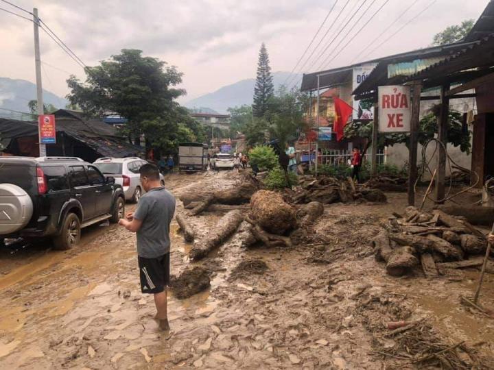 Ảnh: Cảnh tan hoang nơi lũ ống quét qua cuốn trôi 3 người ở Lào Cai - 4